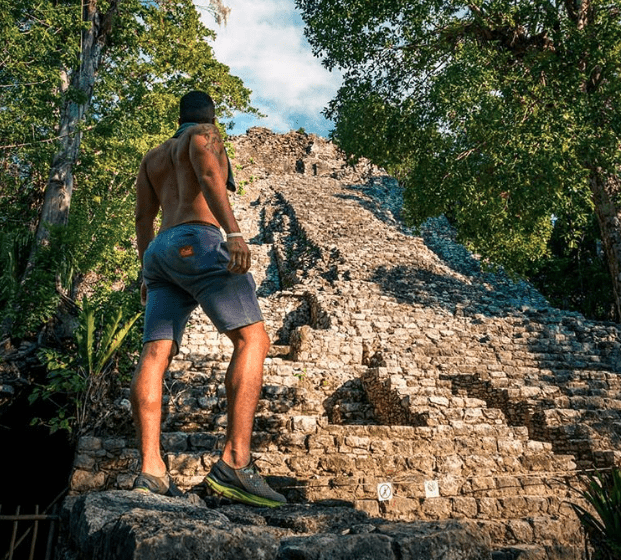 For the ancient Mayas, birds were the personification of their gods, the representation of the hierarchy of their leaders and the simbolization of their great shamans' dominion of the heavenly skies.  #yucatan #otbp #offthebeatenpath #yucatanpeninsula #nature #birdsofthemayaworld #natureexplorers 📷 @martinmoguel_photonature