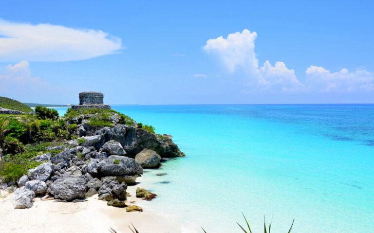 Reabren sitios arqueológicos en la Península de Yucatán.