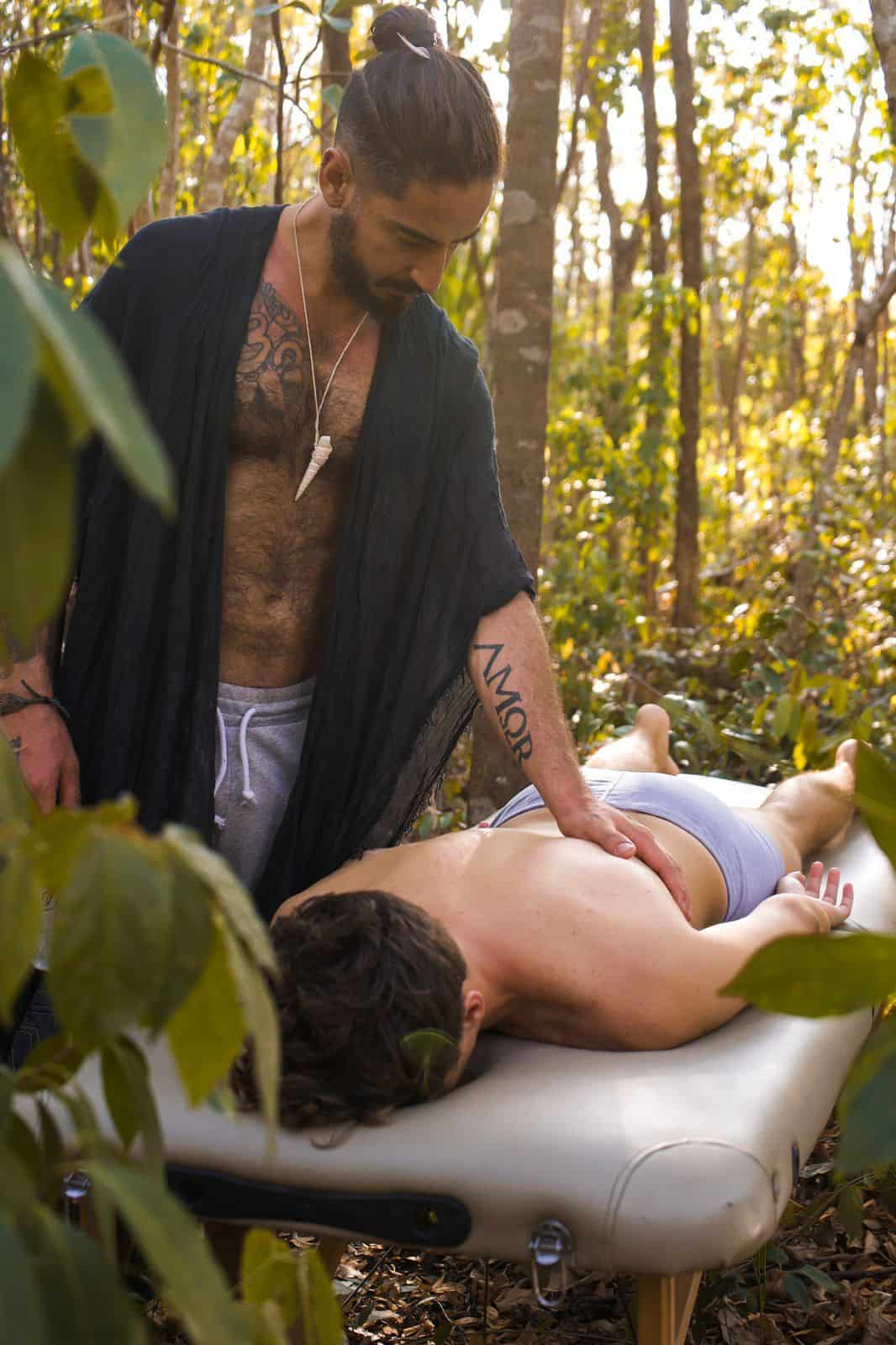 gay-deep-tissue-massage