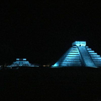 Chichen-Itza-Night-5.jpg