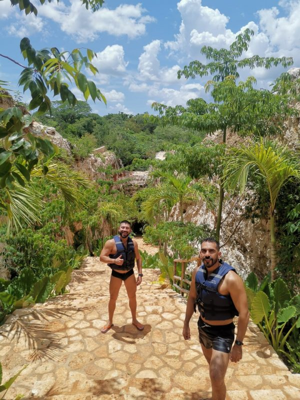 couple at cenote